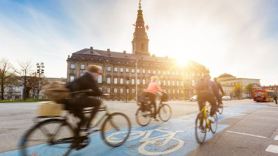 Citizens cycling